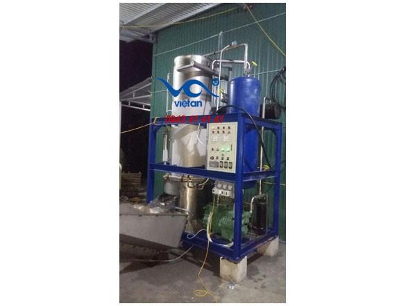 Việt An giao hàng và lắp đặt máy làm đá viên IVA7T cho anh Hà