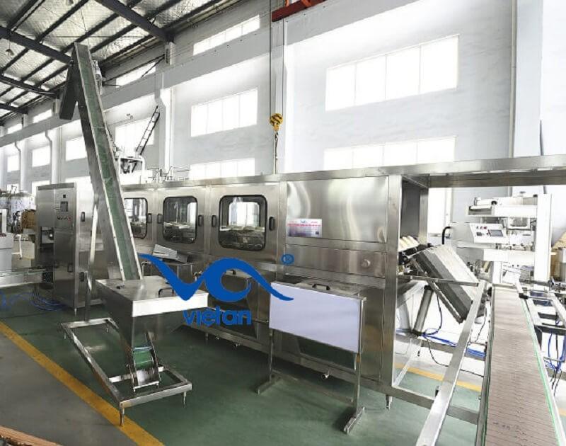máy chiết rót bình 20 lít công suất 900 bình một giờ