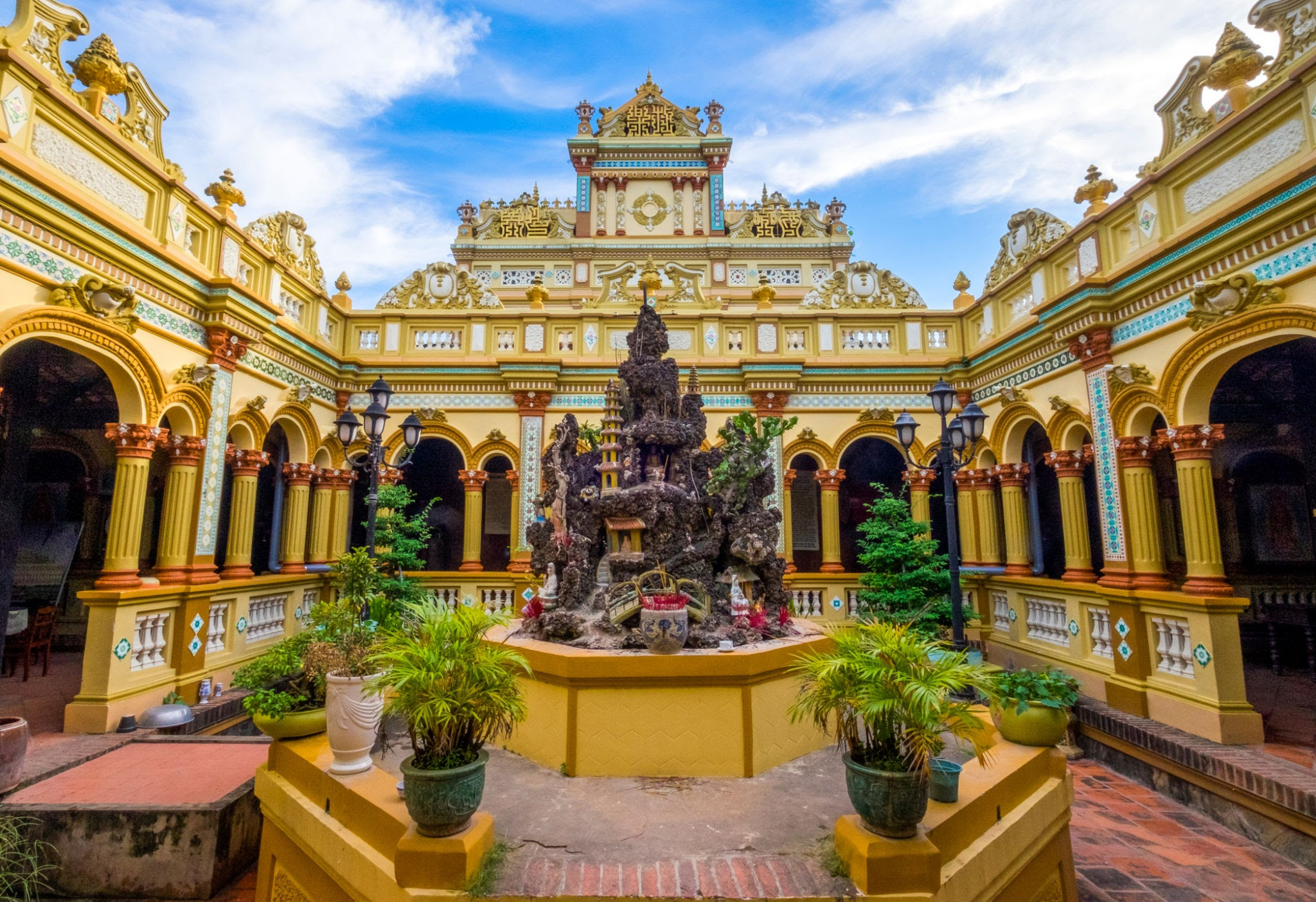 my-tho-vinh-trang-pagoda