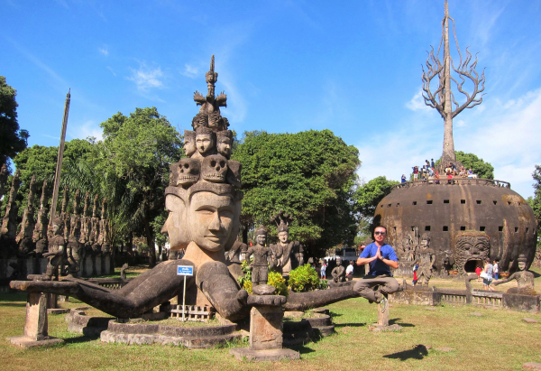 vientiane-laos-buddha-park-1