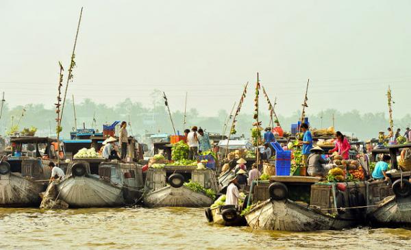 vinh-long-tra-on-floating-market