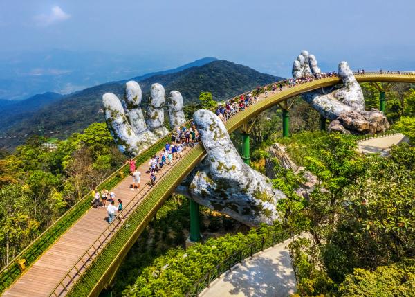 da-nang-golden-bridge