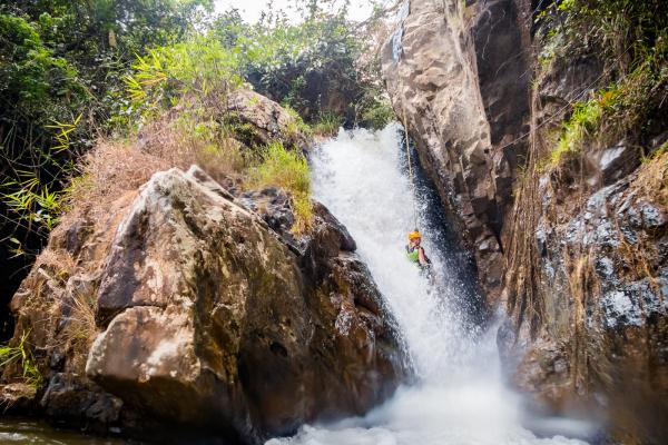 dalat-canyoning-adventure-2