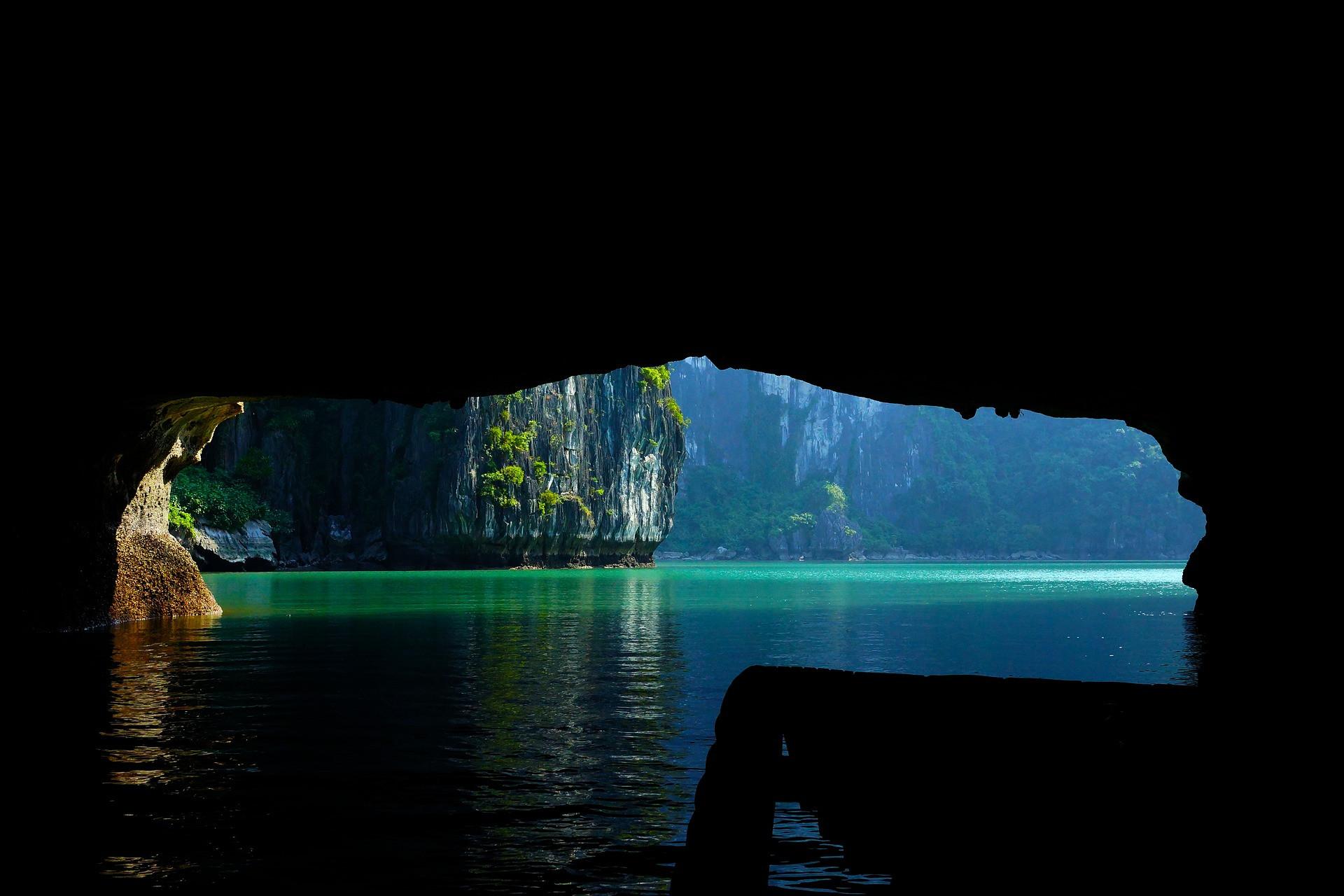 halong-cave