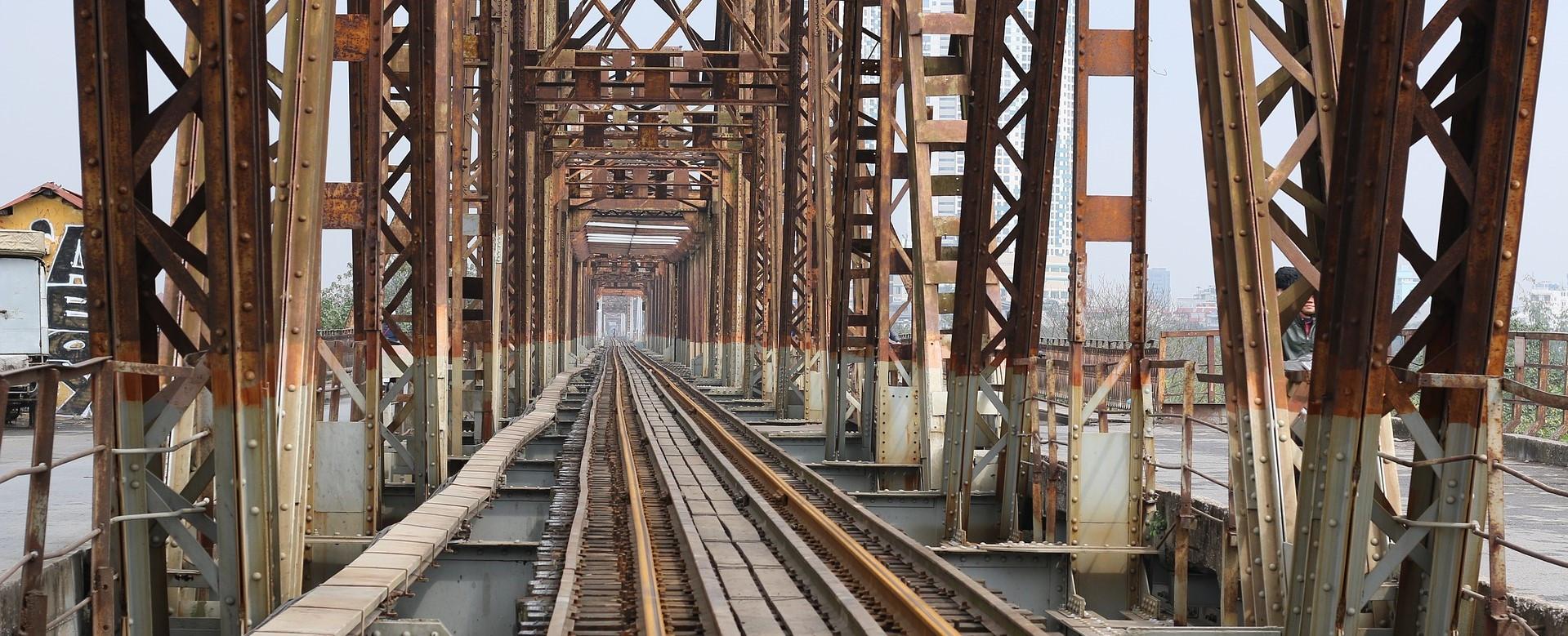 hanoi-long-bien-bridge-2-resized2-1