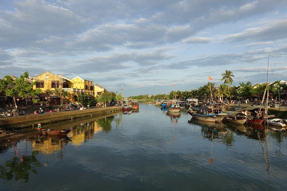 hoi-an-thu-bon-river-1