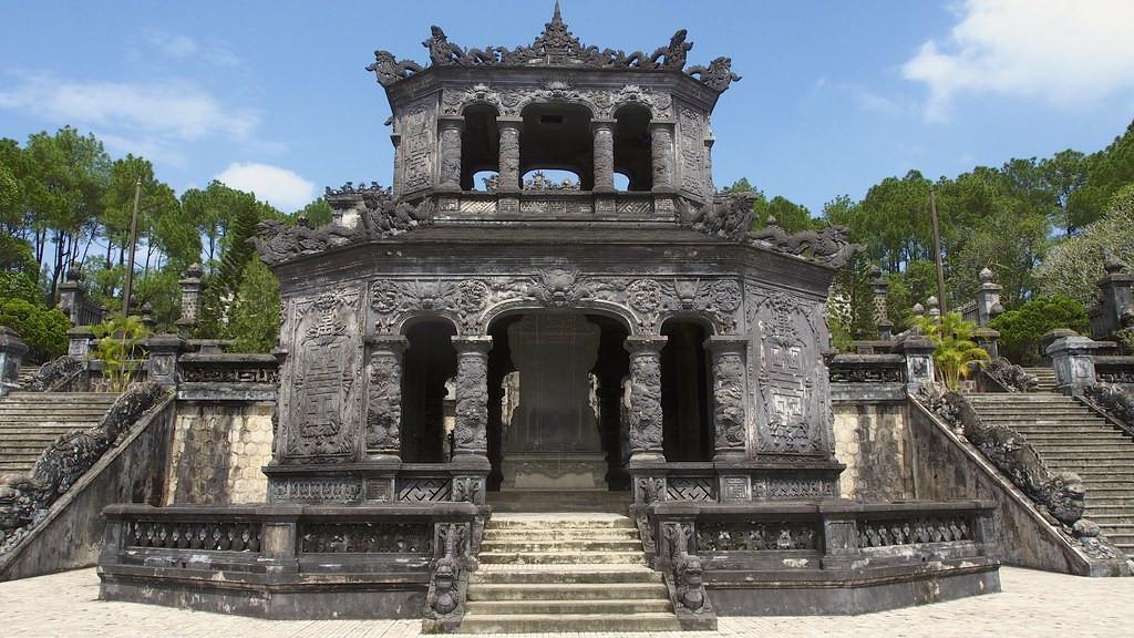 hue-khai-dinh-tomb-2
