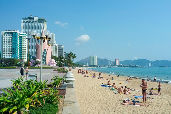 nha-trang-city-beach