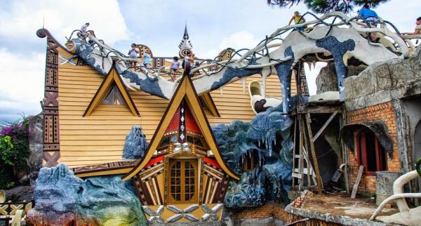 dalat-crazy-house