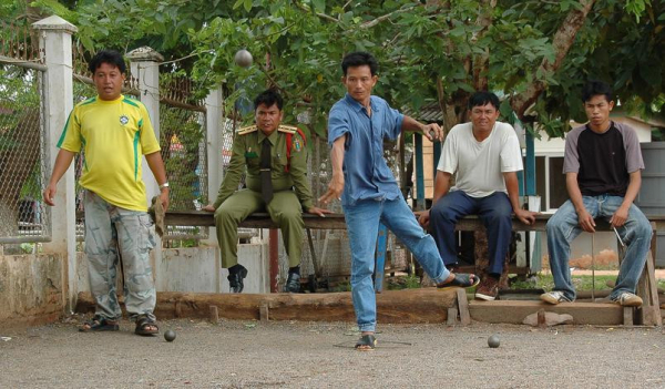 laos-petanque-course