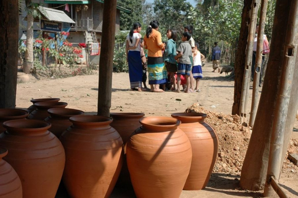 luang-prabang-ban-chan-pottery-village-3