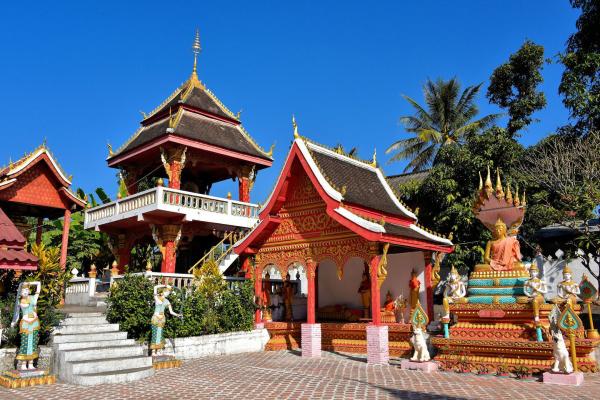 luang-prabang-ban-xang-hai-buddhism-temple-1440x961