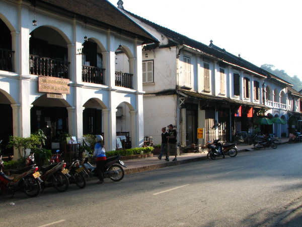 luang-prabang-traditional-french-colonial-building-2