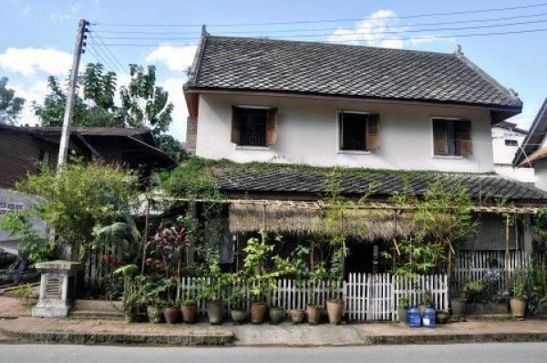 luang-prabang-traditional-french-colonial-building
