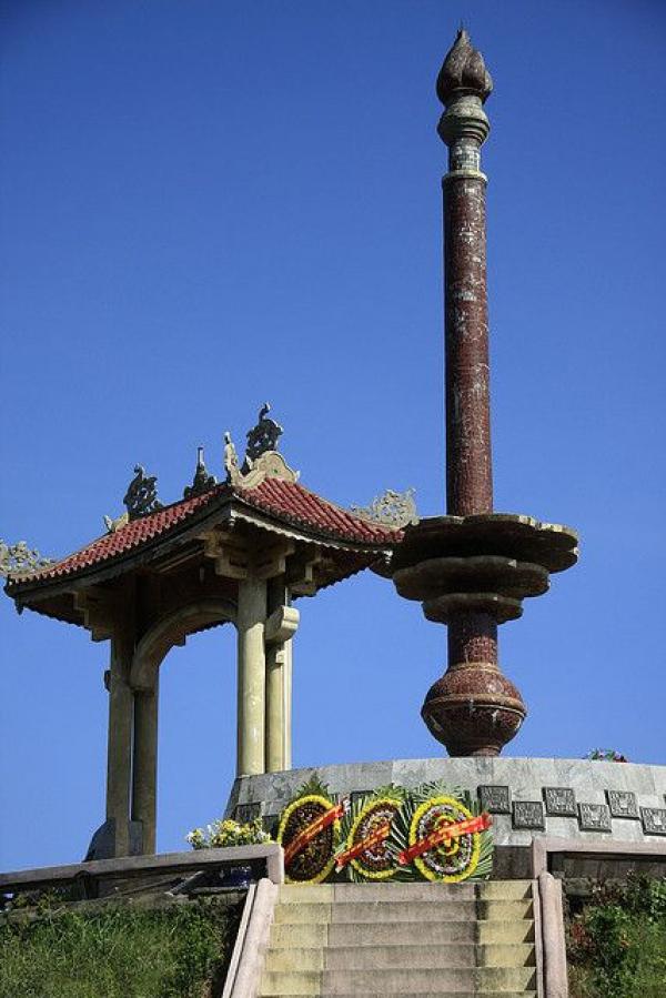 quang-tri-citadel-monument