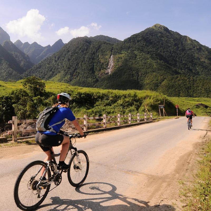 vientiane-biking-1