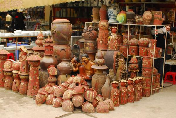 hanoi-bat-trang-pottery-village-1
