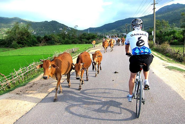 kontum-biking-2