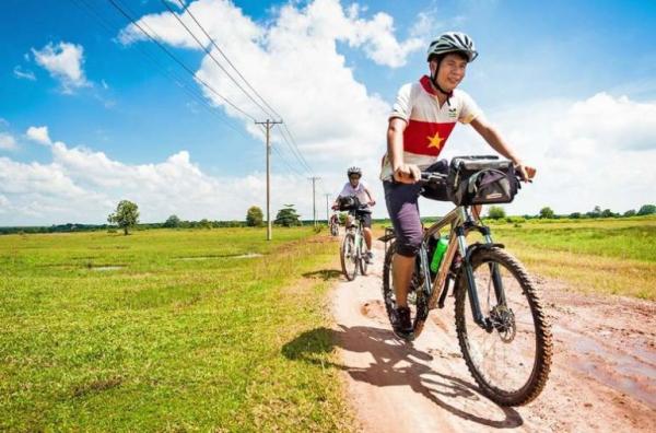kontum-biking