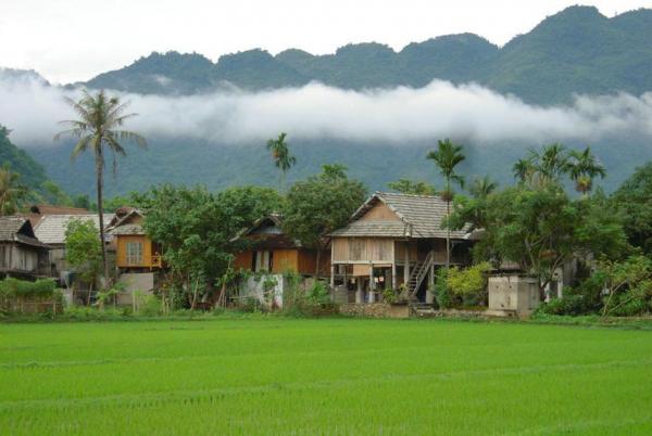 mai-chau-na-phon-village