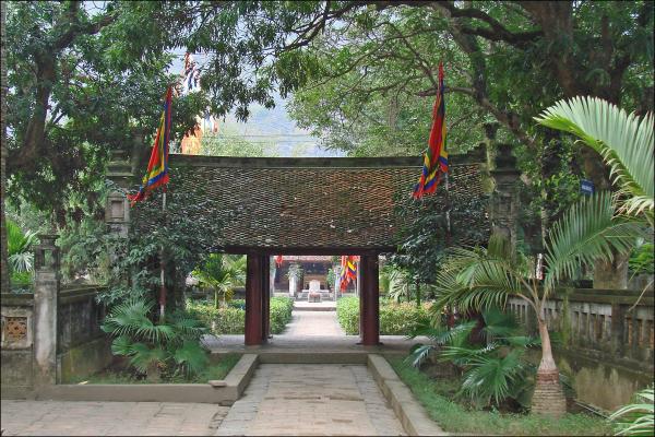ninh-binh-king-le-temple-2