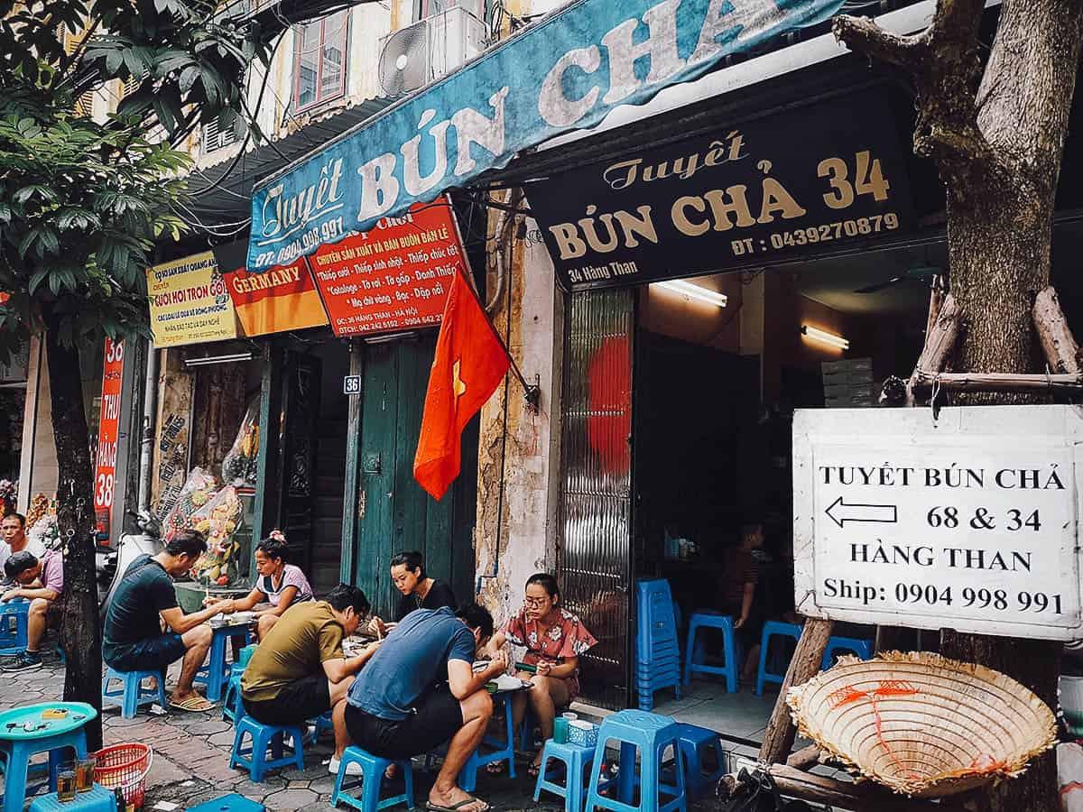 street-food-hanoi-viet-nam