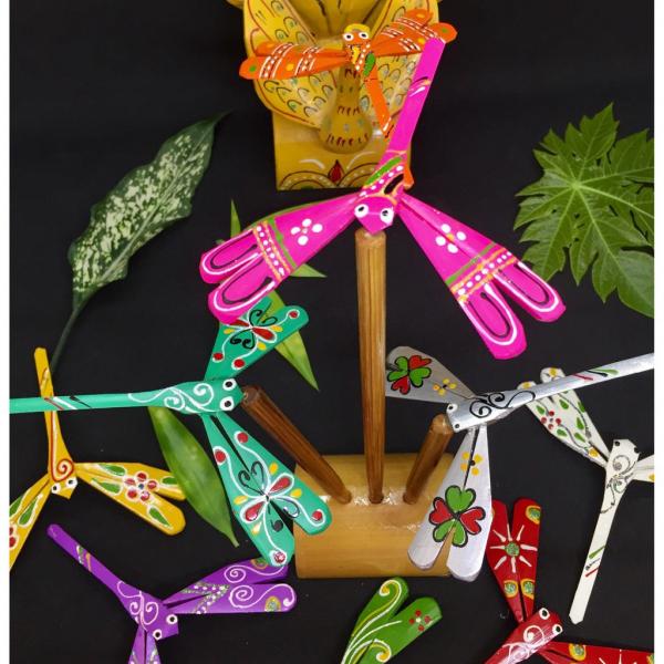 thach-xa-village-make-bamboo-dragonflies