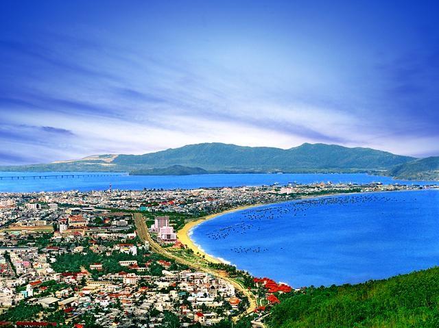 Biển Quy Nhơn với ngoại cảnh đẹp thiên nhiên nên thơ hùng vỹ