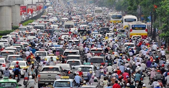 Đường phố tắc nghẽn vì quá nhiều phương tiện giao thông