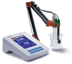 Máy đo pH/ORP/ISE Và EC/TDS/Độ mặn/Trở kháng để bàn HI4522 Hanna