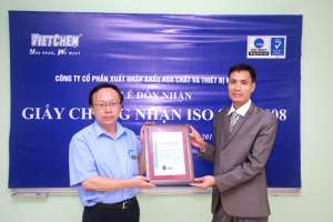 Vietchem đón nhận chứng chỉ ISO - 9001 - 2008