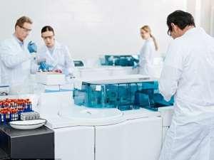 Máy ly tâm trong phòng thí nghiệm hoạt động như thế nào ?