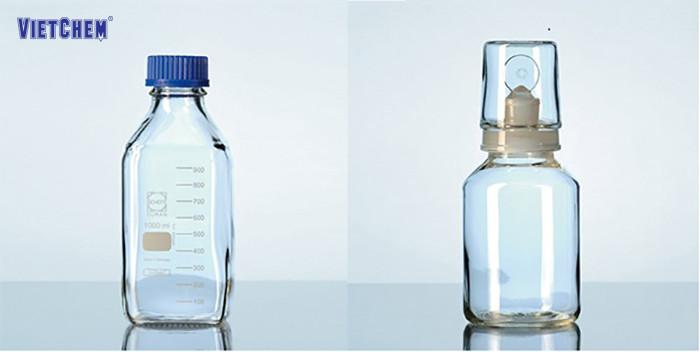 Hình ảnh chai thủy tinh đựng hóa chất được dùng phổ biến trong phòng thí nghiệm