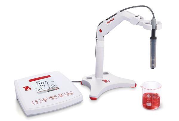 Máy đo độ dẫn để bàn 00.0 μS/cm - 199.9 mS/cm ST3100C-F Ohaus