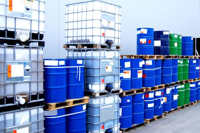 Các loại dung môi trong công nghiệp tồn tại ở trạng thái rắn, lỏng, khí