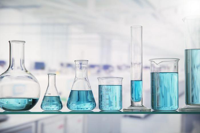 Bình thí nghiệm thủy tinh – dụng cụ cần thiết trong phòng thí nghiệm