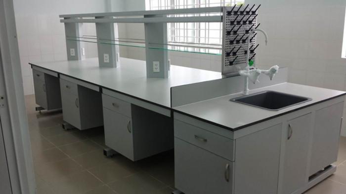 Bàn thí nghiệm trung tâm các loại, đáp ứng nhu cầu nghiên cứu trong phòng thí nghiệm