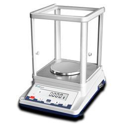 Cân phân tích (110g - 0,001g) LSAB-A10 Labtron