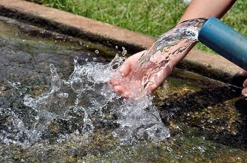 Xử lý nước giếng khoan trước khi sử dụng để bảo vệ sức khỏe