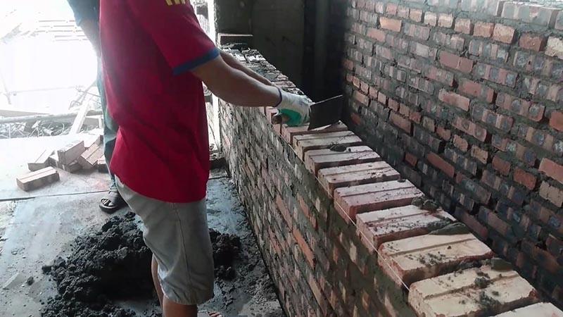 Trộn vữa xây nhà