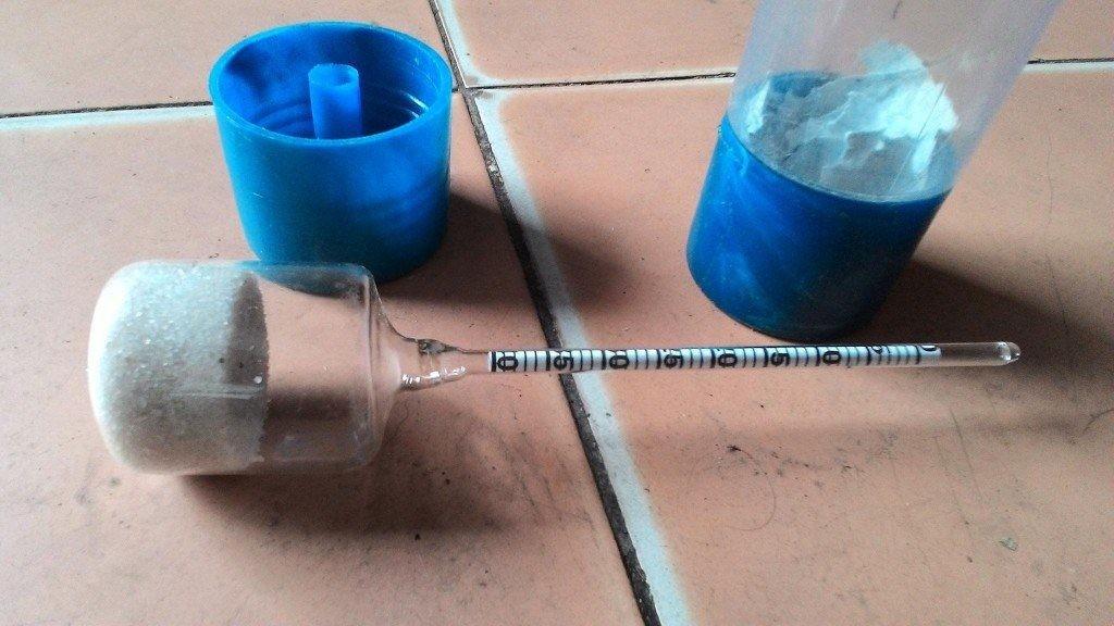 Tỷ trọng kế đo độ mặn được sử dụng phổ biến trong thủy sản