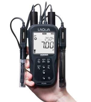 Máy đo pH / ORP / Độ dẫn / TDS / Điện trở / Độ mặn cầm tay PC210-K Horiba