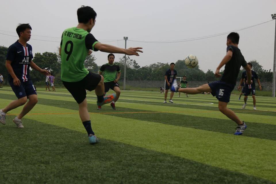 FC VietChem tập luyện