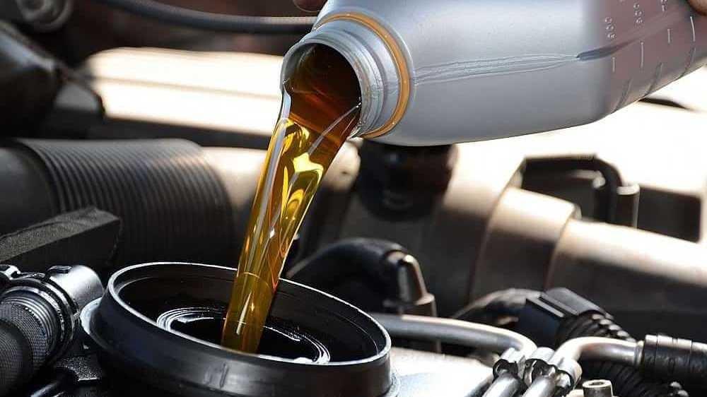 Ethanol được dùng để pha chế với xăng