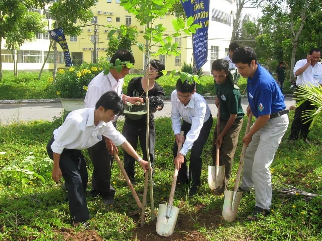 Trồng cây xanh góp phần giảm thiểu biến đổi khí hậu