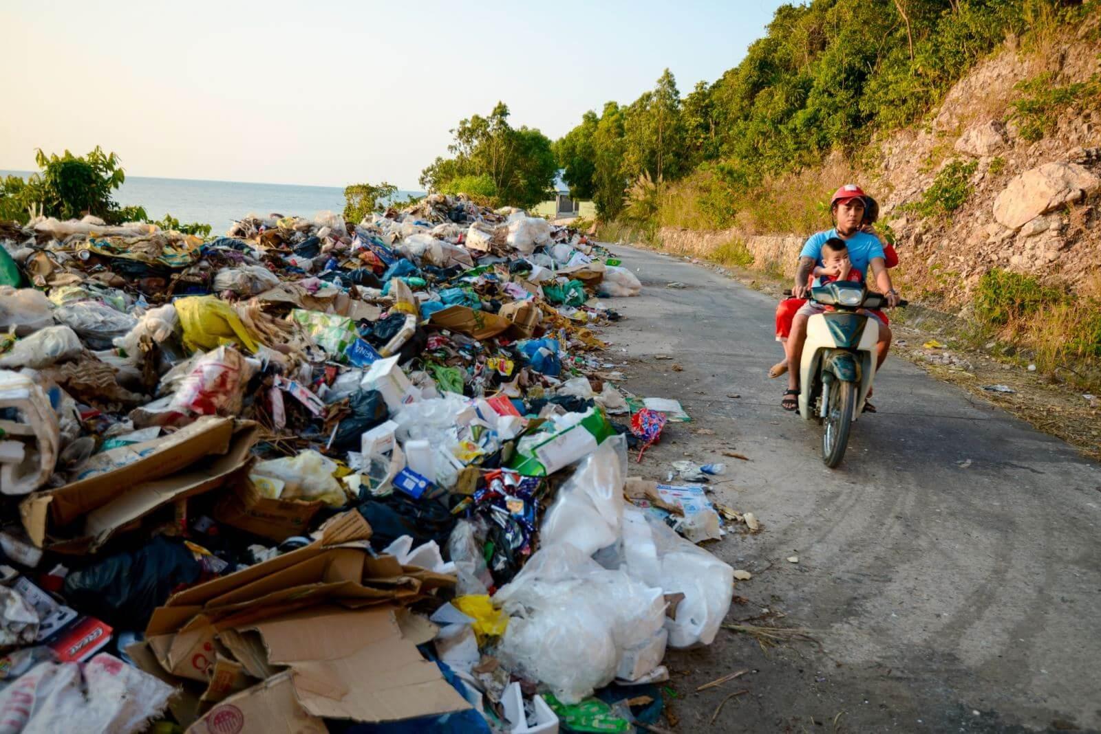 Thác thải nhựahình thành từ sinh hoạt con người