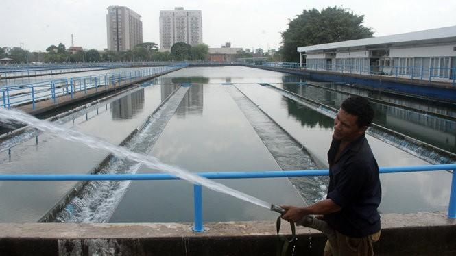 Hệ thống bể lắng của nhà máy xử lý nước Thủ Đức - HCM