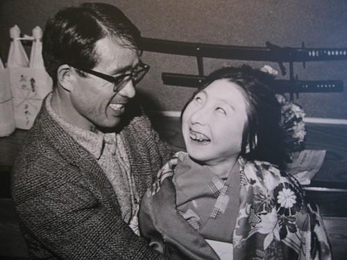 Em bé nhiễm độc Chì từ thảm họa Minamata năm 1956 tại Nhật Bản