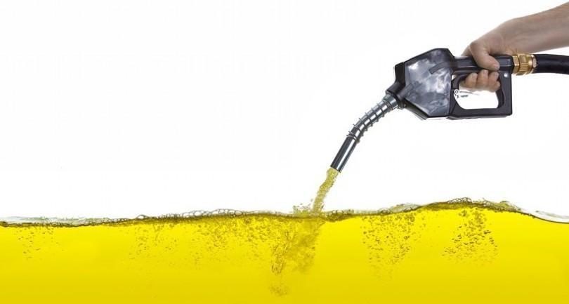 Dầu diesel có màu vàng nhạt