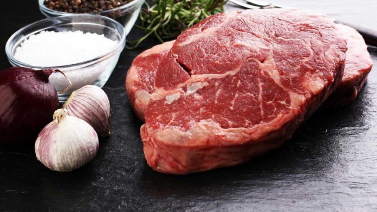 Giảm thiểu thịt bò, thịt lợn vào cơ thể